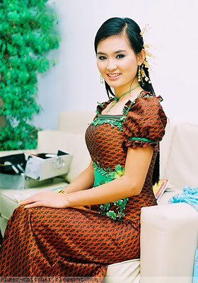 khmer_singer_sokun_nisa_khmer_dress by Cambodian Clothes