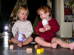 16 months old (eτi) Tags: ikea kids twins bricks kinderen toddlers 16months karel madelief spöka tweeling peuters 16maanden blocken