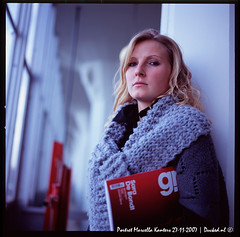 Marcella Portrait 2 (ND-Photo.nl) Tags: blue red portrait black andy girl magazine de sweater haze sara pattern knit dia hasselblad curly blond blonde fujifilm knitted portret tone 503 marcella planar 503cw kanters bondt ramdin