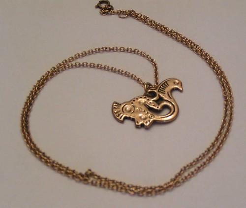 Fågel i brons från kalevala koru.