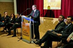 Franois Bayrou et Michel Fanget - Clermont-Ferrand 2008 (Mouvement Dmocrate du Puy-de-Dme) Tags: modem clermontferrand lectionsmunicipales municipales discours fanget bayrou mouvementdemocrate municipales2008 clermont2008