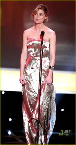ellen-pompeo-presenter sag-award