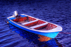boat (Henri Bonell) Tags: autumn water leaves boat waves wave hdr mywinners henribonell diamondclassphotographer superhearts ysplix