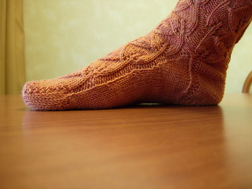 Toe up gusset on Embossed Leaves