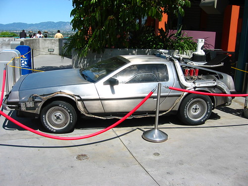 sci-fi-delorean