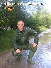 En latex vert et bottes PVC (pascal en bottes) Tags: boots goma rubber latex pascal wellies gummistiefel pvc bottes botas gumboots gomma caoutchouc stivali stövlar