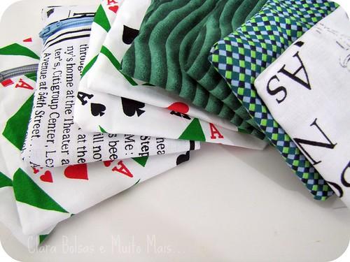 Porta cartões,moedas,celular... by Clara Bolsas e Muito Mais...