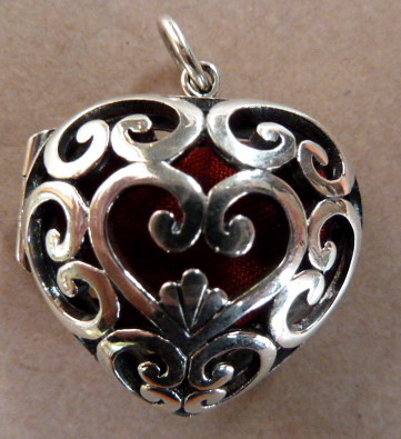 E207N Sterling silver heart vinagrette