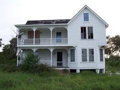 1901 house in Eldred, Florida (mainmanwalkin) Tags: abandoned florida eldred stluciecounty indianriverroad