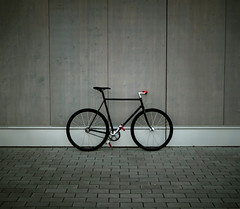 black. (urline) Tags: 3 bike bicycle germany deutschland 1 chinatown eingang interestingness1 singlespeed fixed fixie fixedgear messenger miche courier mainz fahrrad leeloo mybike brakeless kurier blackandred rigida vicini urline chinelli florianoehrlein explore9notbadforabiked
