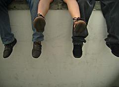 (john max) Tags: plaza blackandwhite woman blancoynegro feet girl cali fun mujer shoes funny colombia legs jennifer zapatos pies palmetto piernas divertido gracioso johnmax