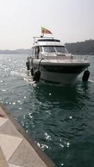 34.遊湖的接駁船