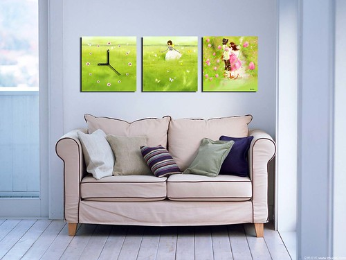 Simple Living Room Wall Decorations