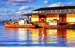 Cais do Porto - Porto Alegre / RS (Omar Junior) Tags: blue red sculpture cloud reflection water rio yellow espelho azul brasil clouds reflections geotagged mirror grande agua exposure do barco pentax d vivid portoalegre vermelho amarelo porto junior nuvens alegre nuvem omar mapping ist poa rs reflexo tone riograndedosul sul pentaxistd mapped cais rgs caisdoporto viveza geo:lat=30024507 geo:lon=5122604