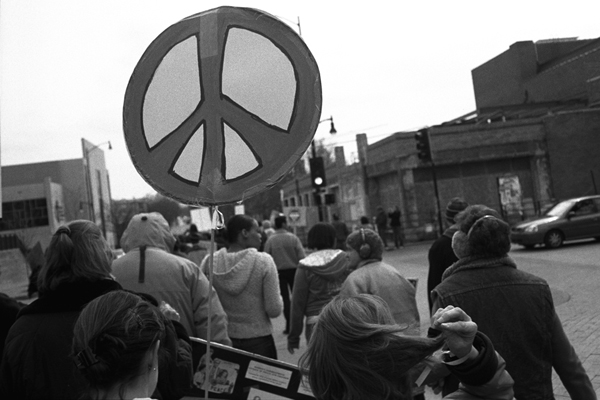 peacesignandhairtoss