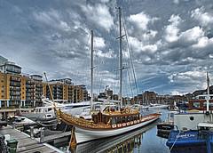 St. Katherine´s Docks (marijeaguillo) Tags: docks muelles londres chalupareal