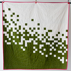 Pixel Pusher, finished (splityarn) Tags: white green modern quilt olive cotton quilting quilts kona cerise splityarn pixelpusher splityarnphotography
