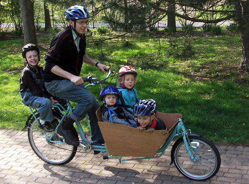 Boxbike with 4 kids