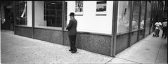 hasselbald XPAN (gatan rossier [trucnul]) Tags: street new york city nyc portrait people bw panorama tales kodak wide streetphotography panoramic hasselblad stories xpan 45mm 400nc aplusphoto trucnul gatanrossier20062008