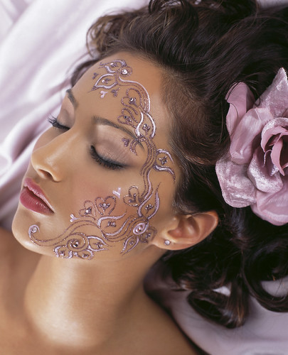 Creative Henna Tattoo of Beautiful Girls Women Face