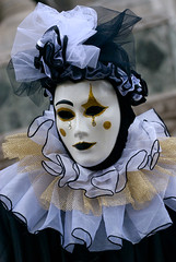Maschera Carnevale di Venezia 2008 (PJ Franz) Tags: carnival venice party italy colour sexy beauty smile photography amazing nikon italia mask venetian d200 2008 carnevale venezia francesco maschera treviso fotografo smarco pillan joëlgillesmirella pjfranz