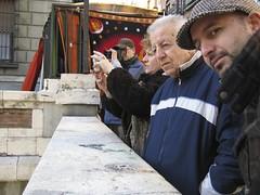 Con los viejos en el rastro (jurgen_pacheco2008) Tags: madrid rastro cascorro