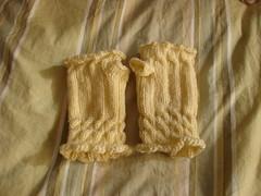 lyn's fetching (jessamine) Tags: knitting yarn knitty wristwarmers