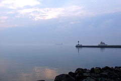 Duluth, 12 Sept 2005 (2) (photography.by.ROEVER) Tags: 2005 morning vacation minnesota fog sunrise roadtrip september greatlakes northshore duluth lakesuperior stlouiscounty