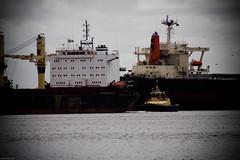 _MG_0129 (Seb Cooper) Tags: water newcastle boats boat rust tug coal vinyetting