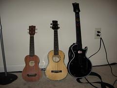 Ukulele Hero (xretiusx) Tags: ukulele mitchell guitarhero kala mitchellmu70 kalamahoganysoprano