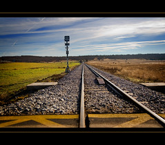 railway (guidacla) Tags: espaa train tren photo spain flickr railway mirada len imagen calidad fotografa aficionado vas vadetren abigfave entusiasta superbmasterpiece guidacla