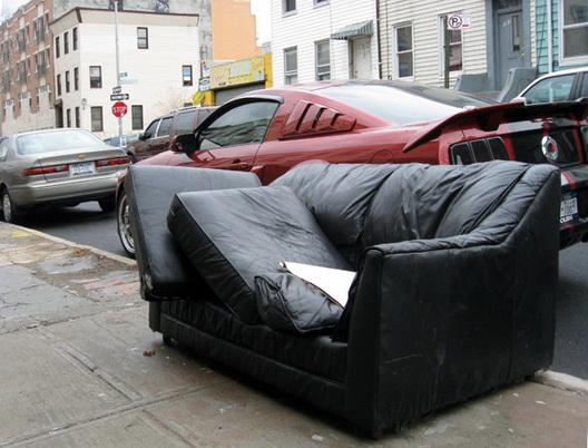 skillman street couch clinton hill