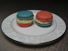 Home Baking: Litchi ganache macarons