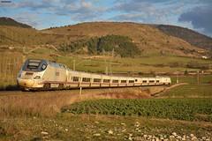 130 (firedmanager) Tags: altavelocidad tren train trena talgo 130 alvia ferrocarril renfe renfeoperadora railtransport bombardier