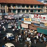 Chợ Saigon Xuân Canh Tuất 1970 - Góc Lê Lai-Phan Châu Trinh thumbnail