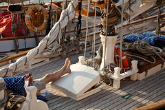 1902 Resting 2nd June 2011 (GRIP2008) Tags: uk england festival rope deck cover isleofwight sail sheet resting mast yarmouth gaffer rigging atrest gaffrig oldgaffers philshepherd