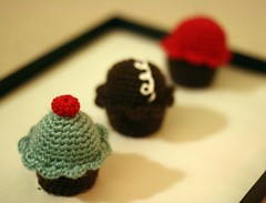 cupcakes (flint knits) Tags: red brown aqua yum chocolate crochet cupcake hostess amigurumi mdf chocqua