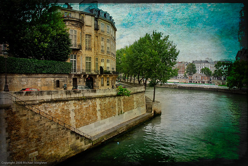 On the way to Ille de Cite' - Paris, France