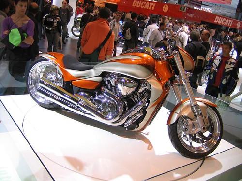 Suzuki Motorcycle Boulevard M109R Custom 500 x 375 · 143 kB · jpeg
