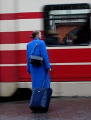 red blue (bogers) Tags: bogers denhaag 21112007 holland nederland netherlands basbogers daily life photo diary europe bas holanda niederlände basbogersdenhaaghotmailcom thehague stewardess airhostess airgirl klm blauw blue city haaglanden hofstad foto straatfotografie haags stad straat street citylife urban zuidholland straatfotografiecom sgravenhage tram rood red htm people mensen ov openbaarvervoer bleu dutch