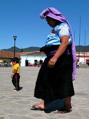 San Juan Chamula woman & son (roamingleah) Tags: mexico maya mayan sancristobal chiapas sancristobaldelascasas sanjuanchamula indigenous indigena