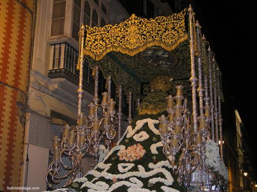 Manto de flores de las Penas en Malaga