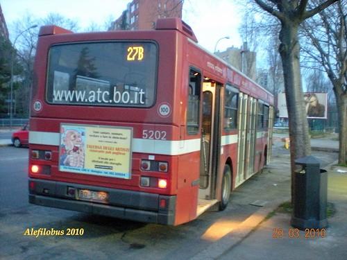 Bologna autobus TurboCity n°5202  al capolinea 27 ATLETI AZZURRI