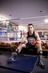 portrait man london bag hands boots ring gloves sweat boxer ropes wraps fitness gym islington islingtonboxingclub sedatsag