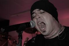 Guilherme de Sá  ( Rosa de Saron ) (tallyton) Tags: show de banda rosa evento luzes voz saron fotografo guilherme cantando sá tallyton wwwtallytonalvescom