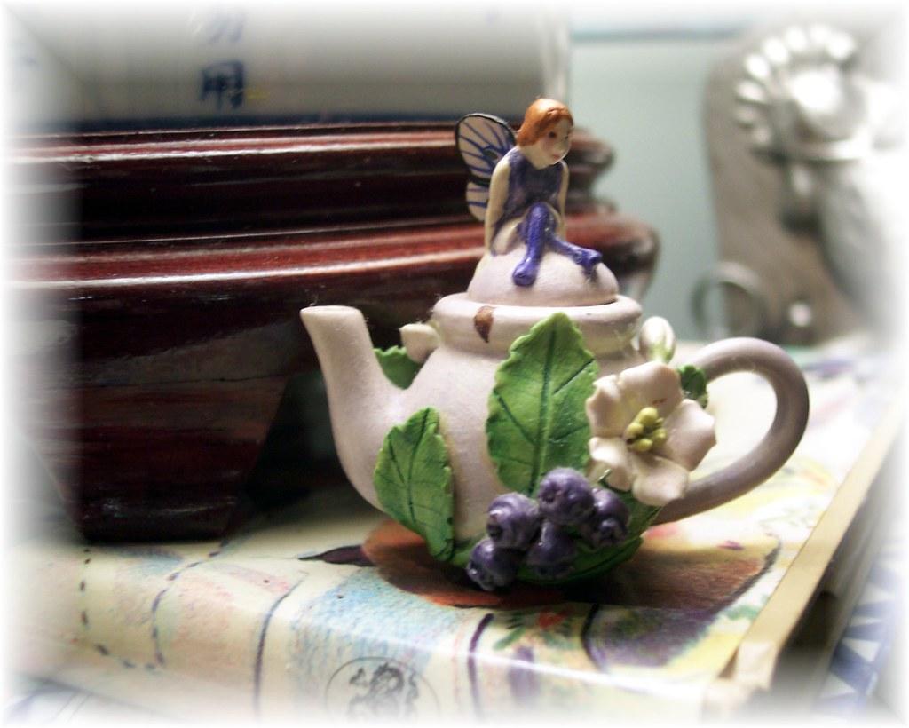 Teeny fairy teapot