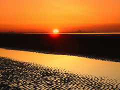 couch de soleil derrire dunkerque (christophe59france) Tags: sunset france nature soleil lovely nord watcher braydunes couche glodenglobe