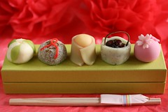 Wagashi for the Japanese Doll Festival (Hina-matsuri) (bananagranola (busy)) Tags: food cake japan dessert japanese traditional sweets osaka japanesefood shinsaibashi wagashi girlsday hinamatsuri daimaru dollfestival