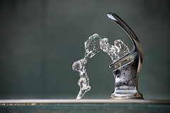 hydro (mike.irwin) Tags: motion water fountain metal nikon drinking stop vr 55200mm d80 wwwmikeirwinartcom