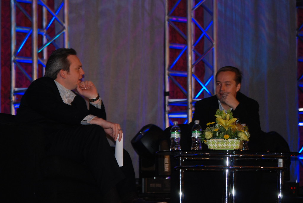 Kevin Ryan asks Jason Calacanis questions at SES New York 2008
